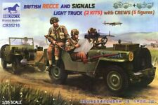 1/35 WWII British Recce & Signals Light Trucks with Crew by Bronco