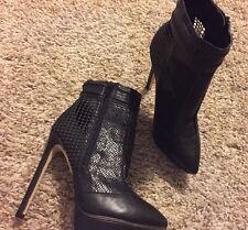 Just Fab New 5 Inch Heel Black Zipper Pointed toe Shoe Size 51/2 Narrow
