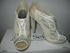 Beautiful David's Bridal MICHAELANGELO ivory lace inset High heel shoes size 7.5