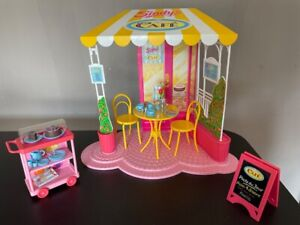 """Sindy Cafe 1992 table 2 chairs coffee accessories box Hasbro 18293 fit 12"""" doll"""