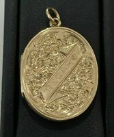 Antique 9ct solid gold engraved locket pendant 5.07g