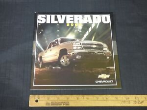 2006 Chevrolet SILVERADO truck Dealer Sales Brochure CDN