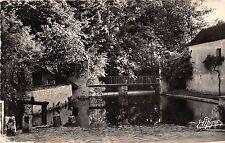 BR10644 Beaumont du Gatinais Fosses de la ferme du chateau    france