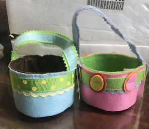Hallmark Gifts ~ Pair of Small Felt Easter Gift Baskets ~ Excellent Condition