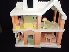 1991 Playskool VICTORIAN DOLLHOUSE pnk white with furniture Grd Piano Couch Bed