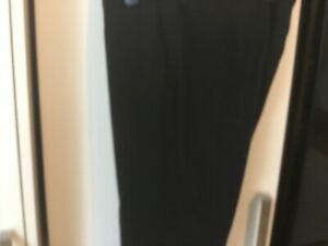 MENS TROUSERS. TU 34 X 29 IN EXCELLENT CONDITION BLACK