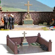 BUSCH 1094 H0, Soldatenfriedhof mit Kriegerdenkmal, Bausatz, Neu