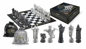 The Noble Collection Harry Potter Wizard Chess Set Schachspiel