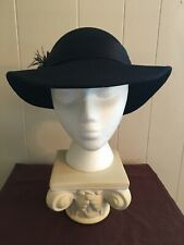 Ladies Vintage Black Wide Brim Derby Doeskin Wool Felt Feathered Bollman Hat Usa