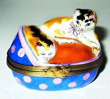 LIMOGES BOX ~ TWO CATS IN A COLORFUL BASKET BED ~ KITTENS ~ KITTY ~ PEINT MAIN
