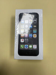 SEALED  iPhone 5s - 16GB - Space Gray (Unlocked) A1533 (GSM) (CA)