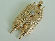 1960'S 9CT GOLD JEWISH ORNATE TORAH OPENING SCROLL/STAR OF DAVID/MENORAH PENDANT