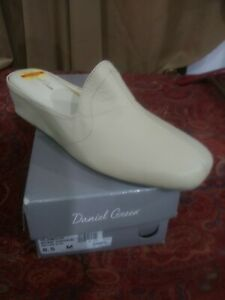 Daniel Green Womens Glamour Casual Leather Wedge Slide Slippers Shoes 8.5M