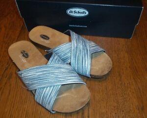 Size 7 M Dr. Scholl's Women's Rae Flat Sandal, Navy Stripe New in Box