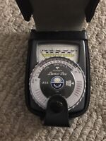 Gossen Luna-Pro light  meter with case.