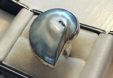 Ladies Huge Substantial Heavy Solid Silver Fancy Shell Mother Of Pearl Type Ring