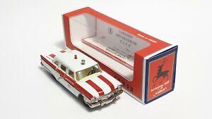 1:43 Diecast Chayka GAZ-13, A15 Ambulance USSR NOVOEXPORT Чайка ГАЗ-13, А15