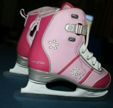 New listing Girls Ccm Glitter Girl Recreational Ice Skates, Size 3, Pink