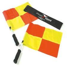 Équipements de football drapeaux jaunes