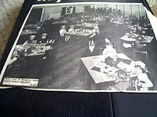 67-3  ephemera 1974 picture drapers mills infants school margate party time