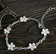 WHITE OPAL DAISY FLOWER AUSTRIAN CRYSTAL BRACELET. SILVER PLATED
