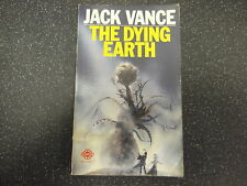 THE DYING EARTH BY JACK VANCE / PB / 1972 / *UK POST £3.25 *