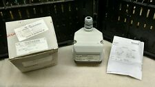 BARKSDALE  D1T-B80SS DIAPHRAGM DIFFERENTIAL PRESSURE SWITCH