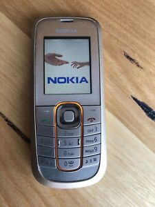 Nokia 2600c-2 with Accessories in Gold