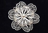Vintage silver wire work floral brooch. B30.