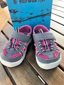Sandals Teva Girls Closed Toe Pink/Grey  Waterproof  NEW Infants Size 5