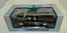Welly 1999 Chevrolet Silverado Fleetside 1:18 Replica GM #9844W