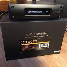 Universal Audio Uad satélite Octo-fábrica registrado con 100+ plugins