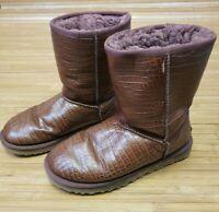 UGG AUSTRALIA Women's Classic Short Leather Embossed Croco Boots SZ 8 1012900