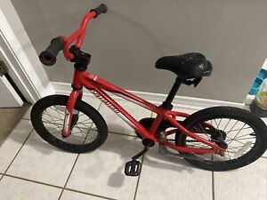 """Specialized Red Hotrock 16"""" Kids Bike Bicycle"""