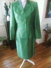 Le Suit Gorgeous Classy Beaded Emerald Green Skirt Suit size 8P