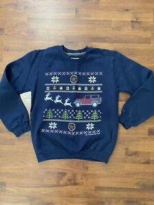 Womens size medium Gildan Jeep Wrangler Christmas sweatshirt pillover navy red