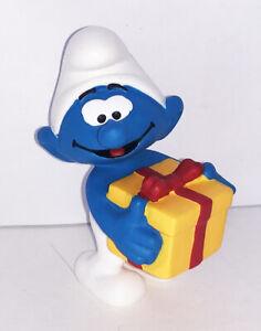 20816 Jokey Smurf with Present 2-inch Plastic Figure Figurine Schleich Gift