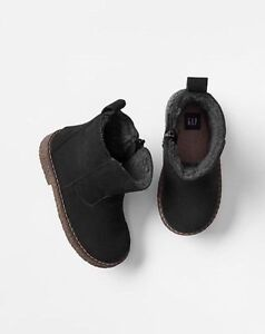 GAP Baby / Toddler Boy Size 6 US / 23 EU Black Sherpa-Lined Boots Booties Shoes