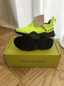 John Geiger 002 Low Volt Hyper Green Sz 9