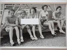 Olympia 1936 Läuferinnen nach 80 m Hürden Lauf 75/57