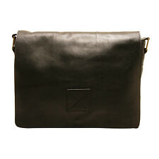 Ashwood - Black Pedro Laptop Compatible Messenger Bag in Cow Oily Leather