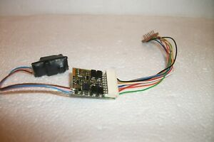 LENZ 8-pin Gold decoder with power pack - 1 of 2