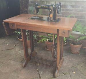 Antique Singer Sewing Machine 15K 1949 Treadle Table