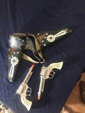 HOPALONG CASSIDY Double Gun & Holster Set with 2 Wyandotte HOPPY Cap Guns