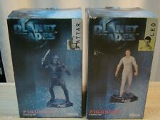 NECA - PLANET OF THE APES - 2 FIGURINES - LEO & ATTAR - 8'' - 2001 - BOITE -