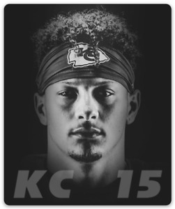 Kansas City Chiefs Patrick Mahomes #15 w/ KC Headband Black & White Photo MAGNET