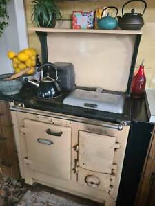 Working Vintage Slow Combustion Stove
