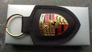 Portachiavi Porsche con stemma Porsche - pelle nera WAP0500900E