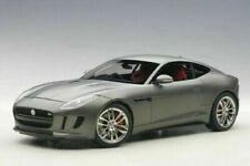 Voitures de sport miniatures gris Jaguar