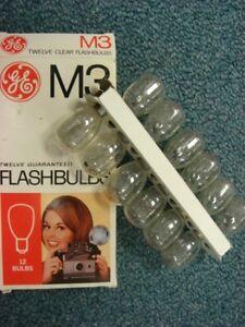 M3 or M3B flashbulbs, one box